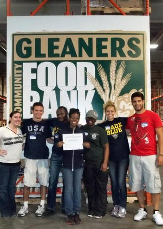 Group of UM-Dearborn students at Gleaners Food Bank