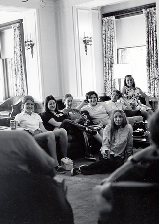 Fall 1971: First freshmen class of 313 enrolls; total enrollment of 1369.