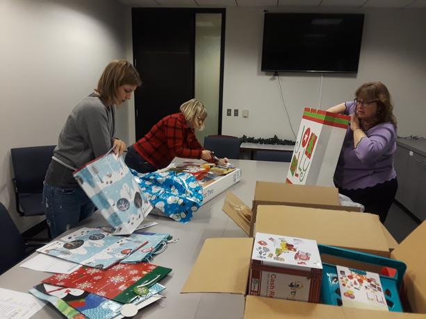 LPA Staff Giftwrapping